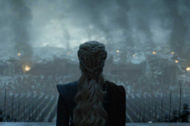 Game Of Thrones | Emilia Clarke assistiu discursos de Hitler para cena do final de GoT